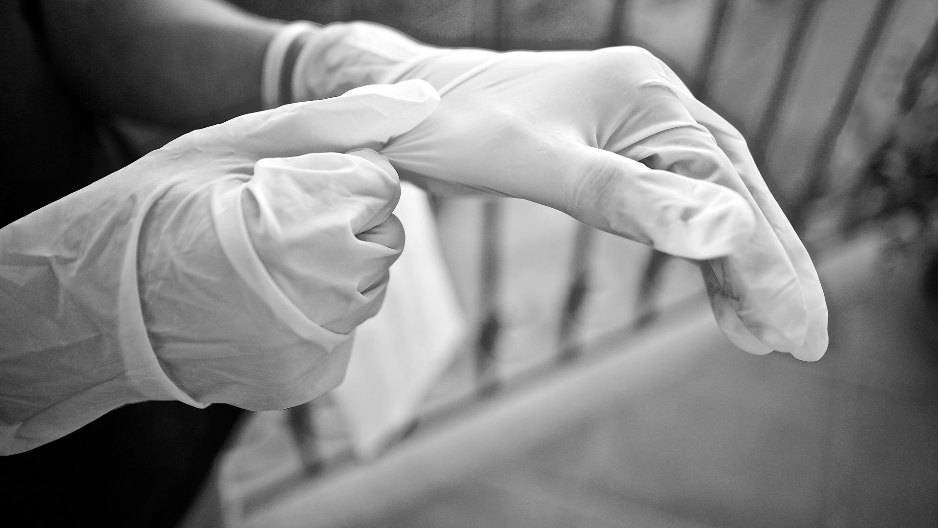 gloves 5155220 1920 1